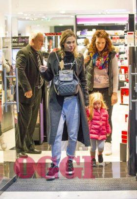 Ilary Blasi, coccole e shopping con la figlia Isabel: così si consola dal flop del Grande Fratello Vip